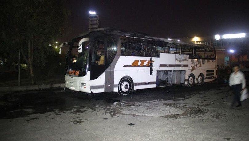 İzmir'de sefere çıkmaya hazırlanan yolcu otobüsü terminalde yandı - haberler