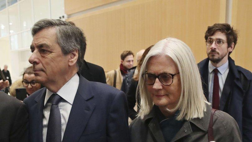 Fransa eski Başbakanı Fillon'a hapis cezası - Haberler