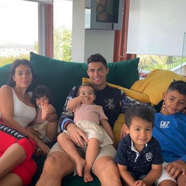 Cristiano Ronaldo ile Georgina Rodriguez aşk tatilinde - Magazin haberleri
