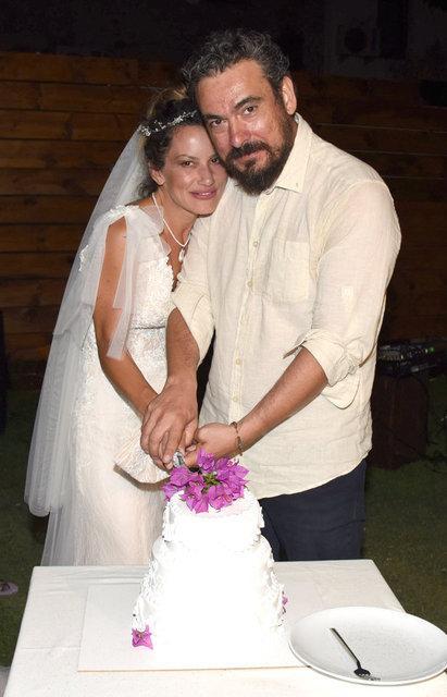 Yıldız Asyalı ile Kerem Saka evlendi - Magazin haberleri