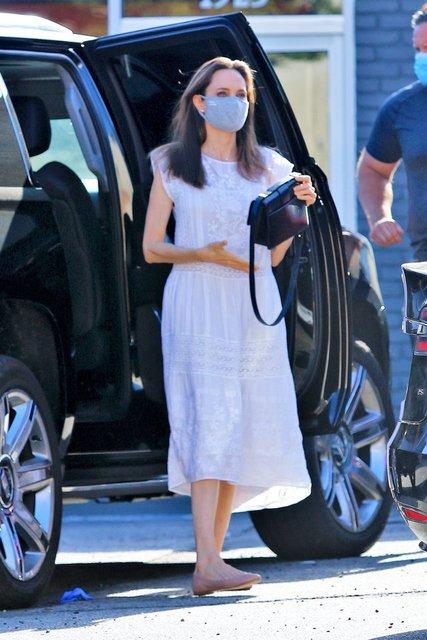 Angelina Jolie alışverişte - Magazin haberleri