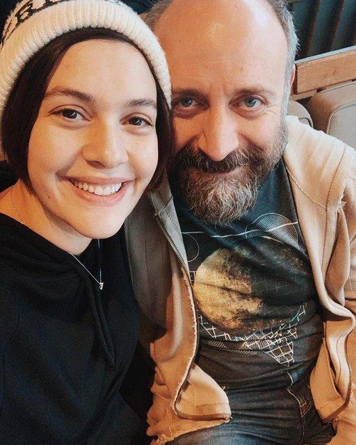 Halit Ergenç-Bergüzar Korel çiftinin ikinci oğlu Han'dan ilk fotoğraf! - Magazin haberleri