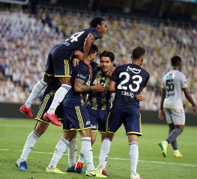 Fenerbahçe'nin Göztepe maçı ilk 11'i