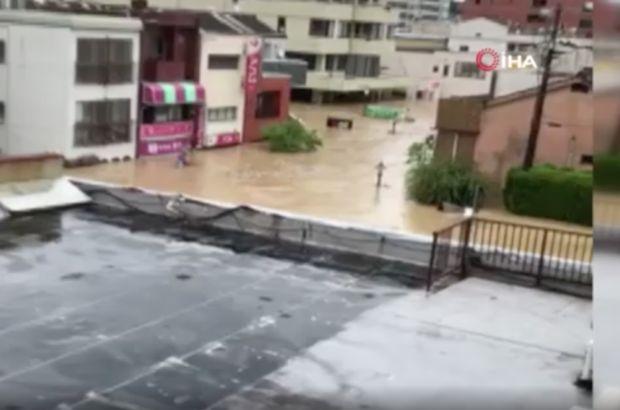 Japonya'yı yağış vurdu: 2 ölü, 8 kayıp!