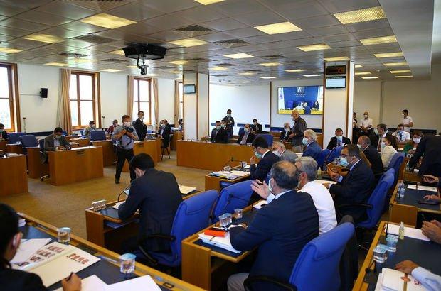 Adalet Komisyonu'nda 'Hitler' tartışması