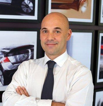 Son 2 yıldır tarihindeki en derin değişiklikleri yaşayan Japon otomotiv üreticisi Nissan, yeni yönetim kadrosu ile birlikte gelecek vizyonu yeniden belirledi. Bu kapsamda bir grup Türk gazeteciye açıklamalarda bulunan şirketin Afrika, Orta Doğu ve Hindistan Bölgesi Başkanı Guillaume Cartier, Türkiye