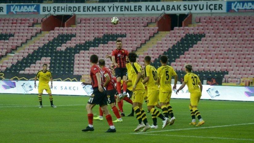 İstanbulspor 3 golle kazandı