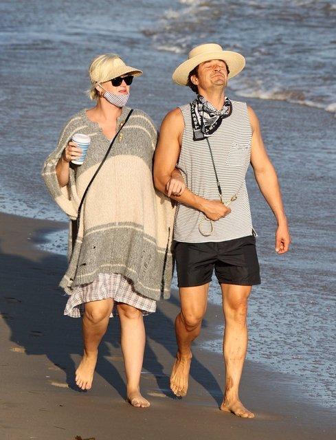 Katy Perry ile Orlando Bloom sahilde! Perry'nin 6 parmağı... - Magazin haberleri