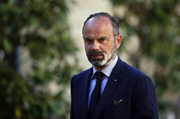 Fransa'da eski Başbakan ve Sağlık bakanına soruşturma!