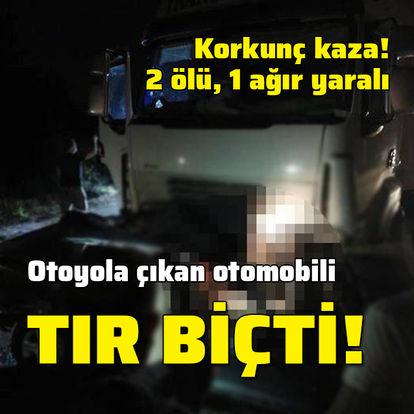 TIR, otomobili biçti! 2 ölü, 1 yaralı