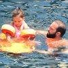 Baba-kızın deniz keyfi