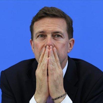 Alman Hükümet Sözcüsü'nün ofisinde çalışan bir kişi Mısır ajanı çıktı!