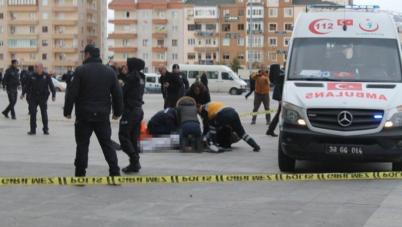 Avukata 'cinayete azmettirme' suçundan kelepçe