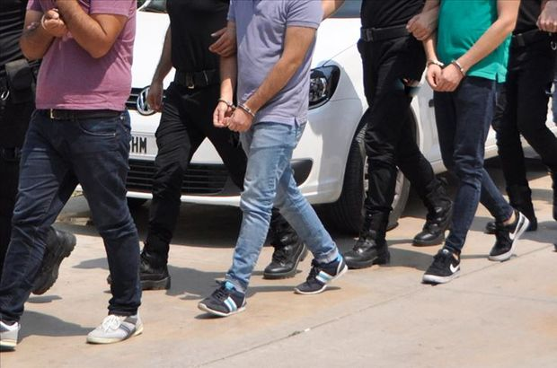 FETÖ'nün gaybubet evlerine operasyon: 25 gözaltı