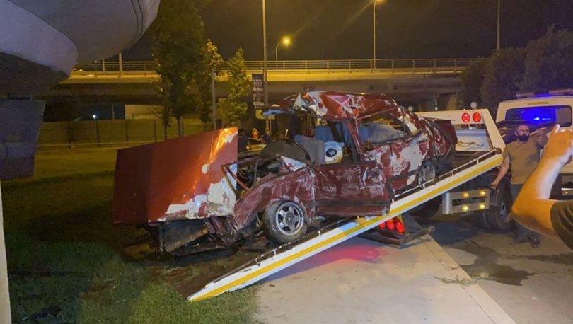 Kartalda otomobil viyadük ayağına çarptı: 2 ölü, 2 yaralı