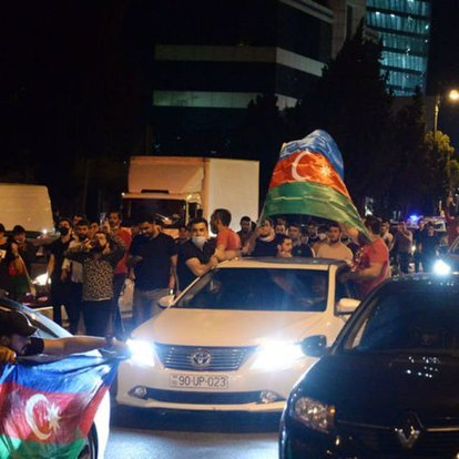 Azerbaycan halkından Meclis'e seferberlik talebi