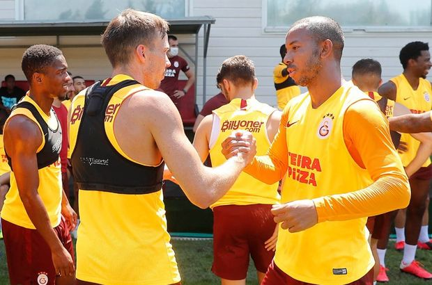 Galatasaray'da bir ayrılık daha!