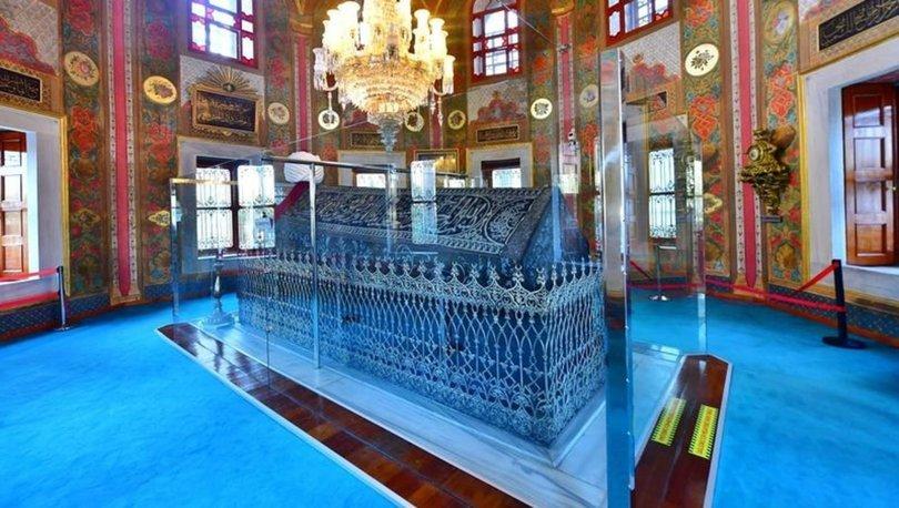 Ayasofya'nın açılmasının ardından Fatih Sultan Mehmet Han'ın kabrine vatandaş akını - Haberler
