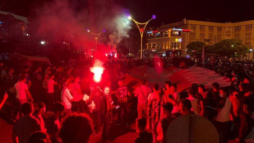 24 Erzincanspor'un TFF 2. Lig'e yükselme coşkusu