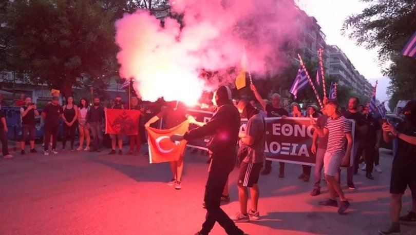 Son dakika haberi! MSB'den Türk Bayrağı'nın yakılmasına tepki: Kirli eller kırılır