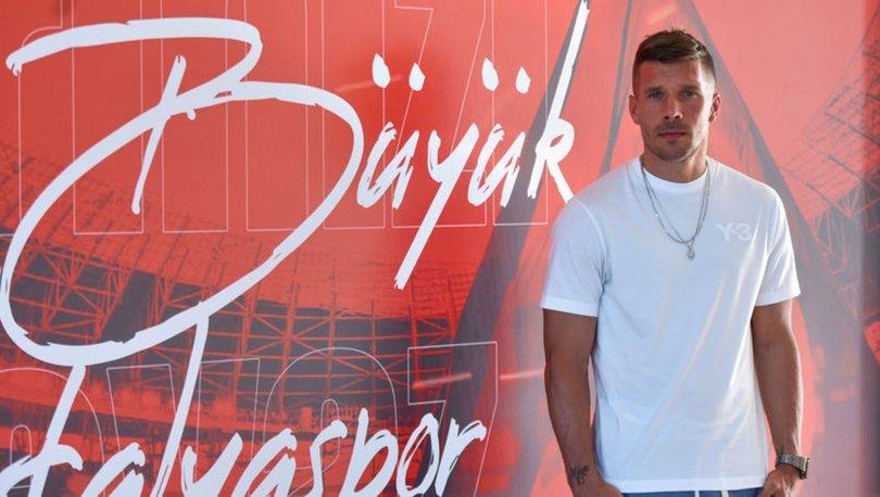 Podolski, Antalyaspor'da mutlu