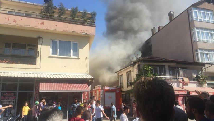 Son dakika haberler... Sakarya'da 3 ev yandı!