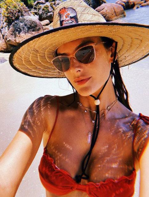 Alessandra Ambrosio'nun tatili devam ediyor - Magazin haberleri