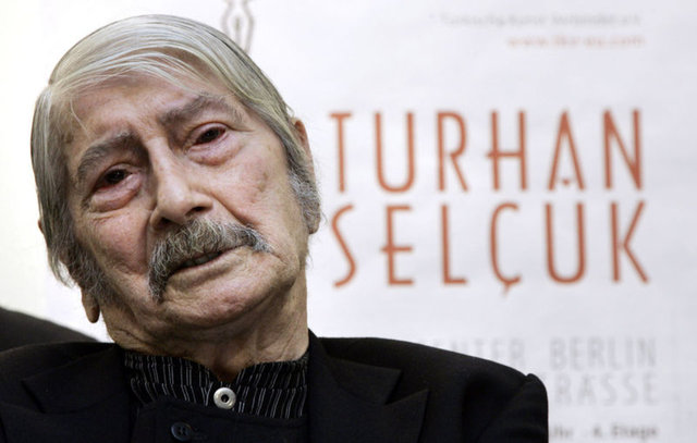 Turhan Selçuk kimdir? Turhan Selçuk eşi ve karikatürleri merak ediliyor! Turhan Selçuk Retrospektifi