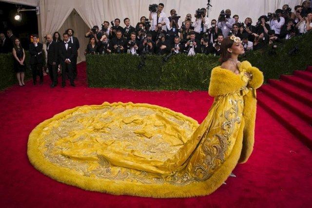 Rihanna'dan yıllar sonra gelen itiraf - Magazin haberleri