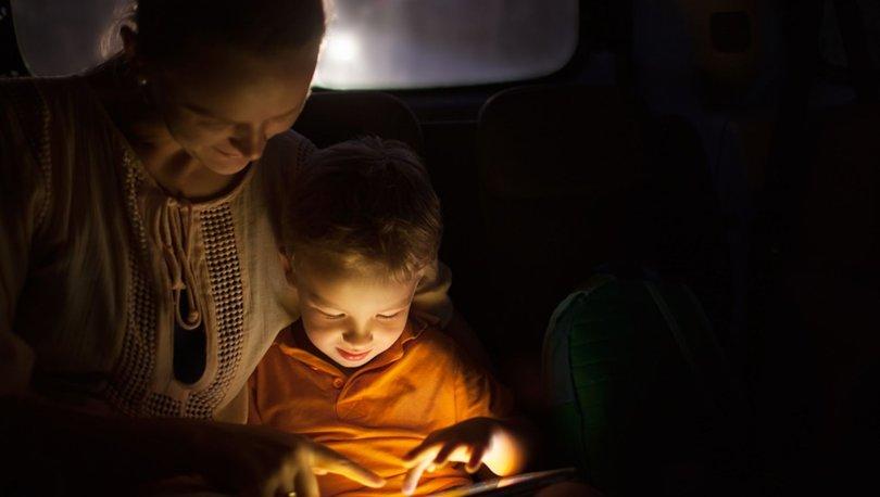 Ebeveynlerin yüzde 91'i seyahatlerde çocuklarını cihazlarla eğlendiriyor!