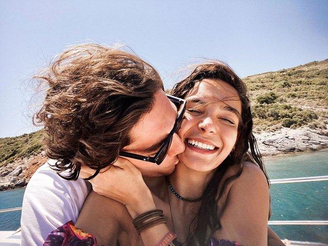 Ebru Şahin ile Cedi Osman'dan aşk pozu - Magazin haberleri