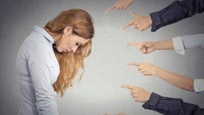 Kişide sosyal fobiye yol açan etkenler