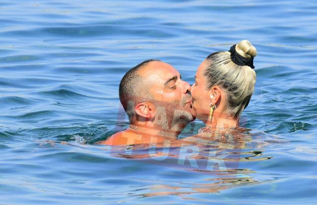 Semih Şentürk eşiyle tatilde - Magazin haberleri