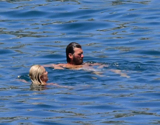 Kıvanç Tatlıtuğ ile Başak Dizer'in tatili devam ediyor - Magazin haberleri