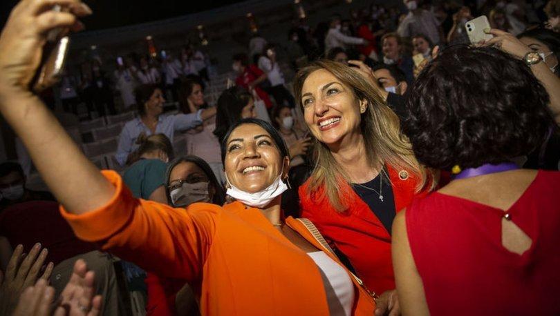 Aylin Nazlıaka CHP Kadın Kolları Genel Başkanı seçildi - Haberler