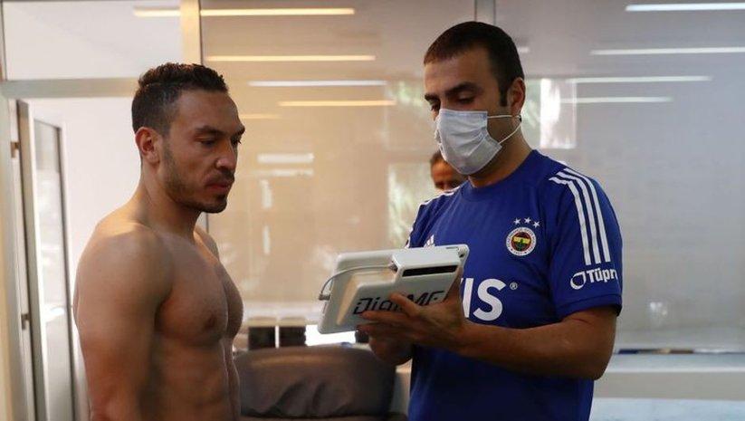 Fenerbahçeli futbolcular testten geçti
