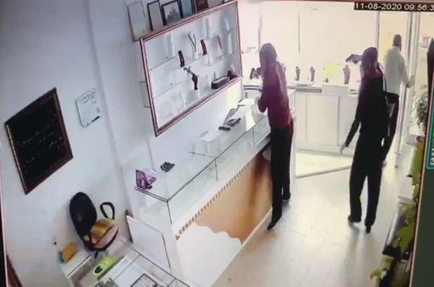 Kadın kılığında gelen dehşet kamerada!