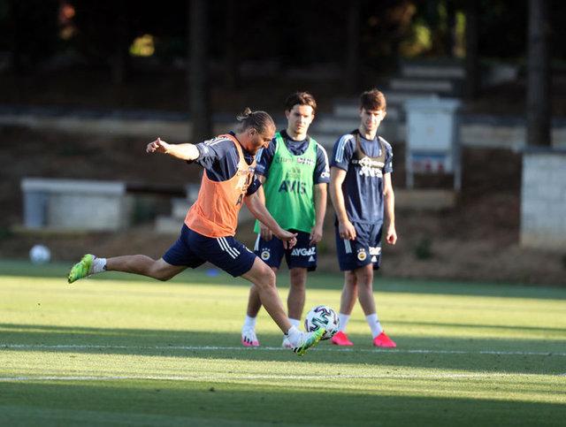 Fenerbahçe'den son dakika transfer haberleri - 3 isim daha tamam! Sosa son durum