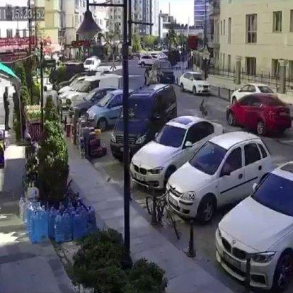 Köpekten kaçarken araba böyle çarptı