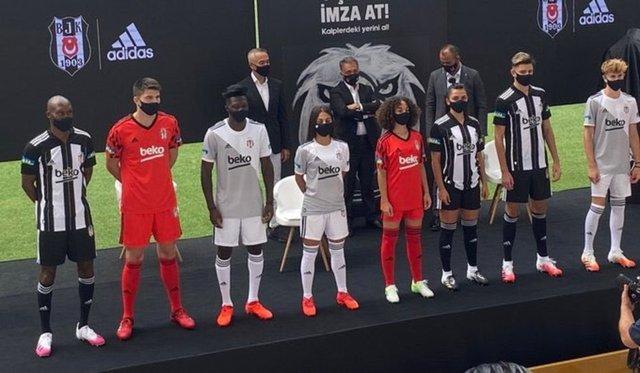 Beşiktaş, yeni sezon formalarını tanıttı