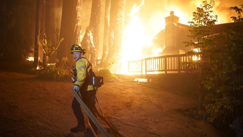 California yangınları: 500 bin hektarlık alan yandı