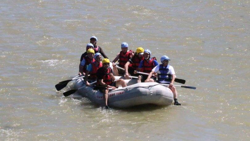 Karasu Nehri rafting tutkunlarının gözdesi oldu