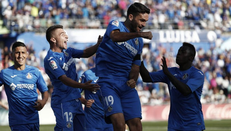 Granada, 38 yaşındaki forvet Jorge Molina'yı transfer etti
