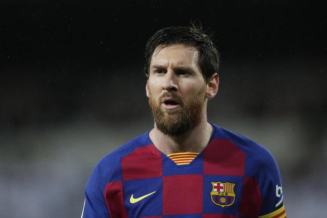Messi Barcelona'dan ayrılıyor! Kararını resmen iletti!