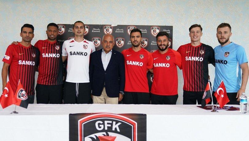Gaziantep FK'den yeni transferler için imza töreni