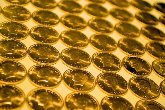 Altın fiyatları SON DAKİKA! Bugün çeyrek altın, gram altın fiyatları anlık ne kadar? Canlı 27 Ağustos 2020