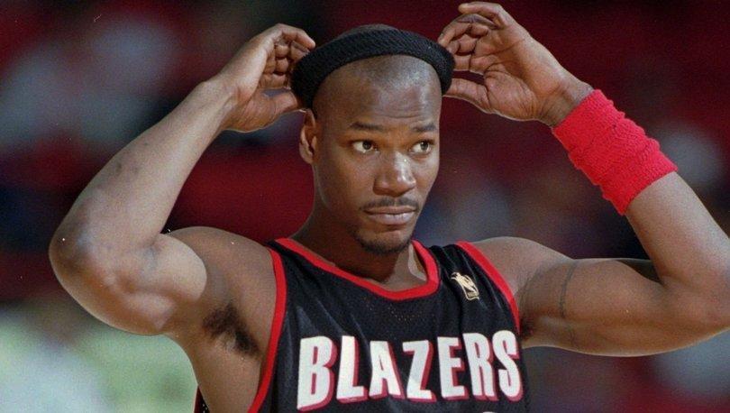 Eski NBA oyuncusu Clifford Robinson yaşamını yitirdi