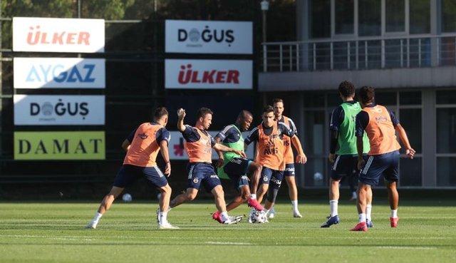 Fenerbahçe'den ayrılacak futbolcular! (Son dakika transfer haberleri)