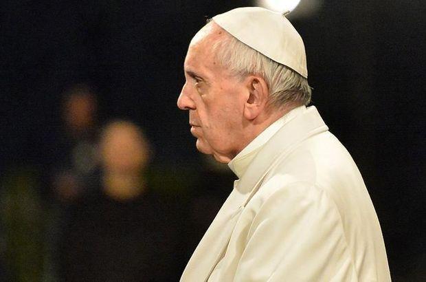Papa çocuk istismarıyla suçlanan piskoposun istifasını kabul etti!