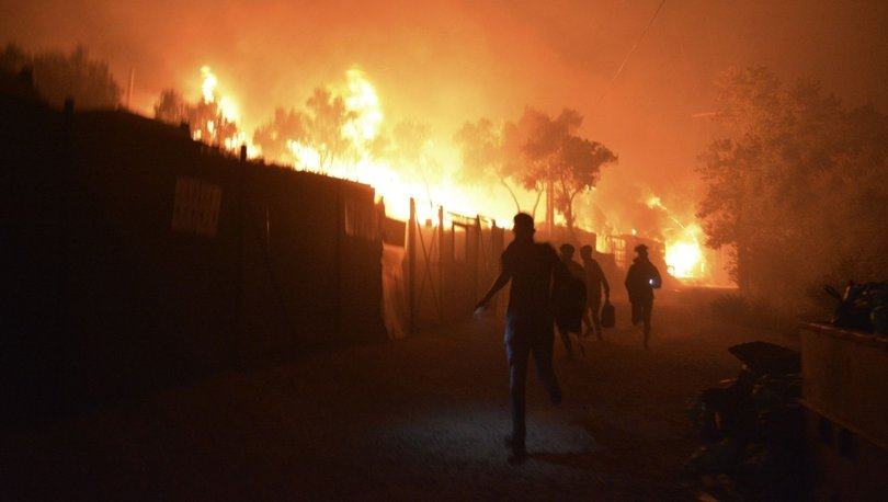 Midilli Adası'nda karantinadaki mülteci kampında yangın çıktı!